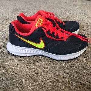Women's Nike Downshifter Sneakers size 8 1/2